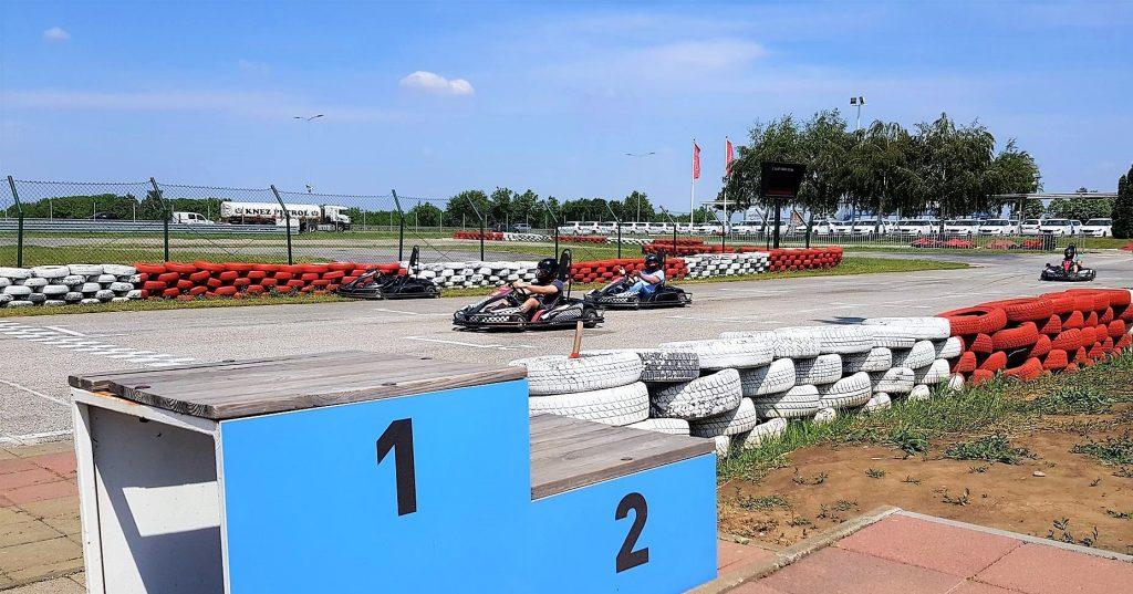 Go-kart racing tracks